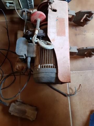 Talha elétrica + barra de movimentação