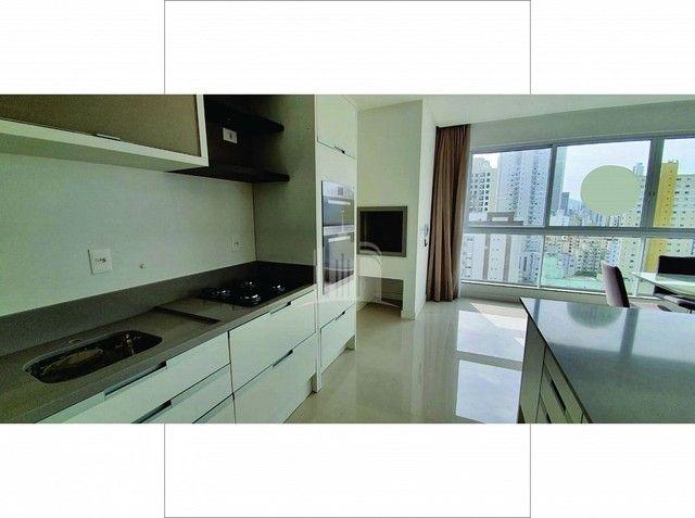 Apartamento Novo Mobiliado com amplo Living - Foto 6