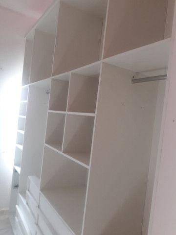 Guarda roupa, tipo closet,   com 2,80 de altura,  2,60 de comp. 50 cm de larg.  - Foto 2