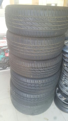 03 pneus 205 50 17 - Foto 3
