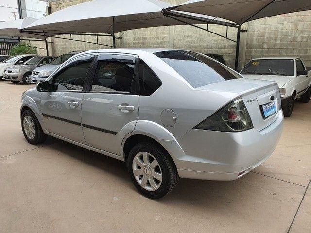 Fiesta Sedan Class 1.6 completo - Foto 3