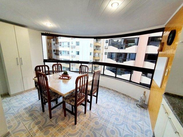 Apartamento a venda com Ampla Sacada com Churrasqueira - Foto 2