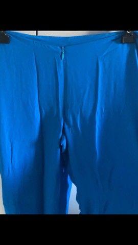 Calça pantacourt azul - Foto 4