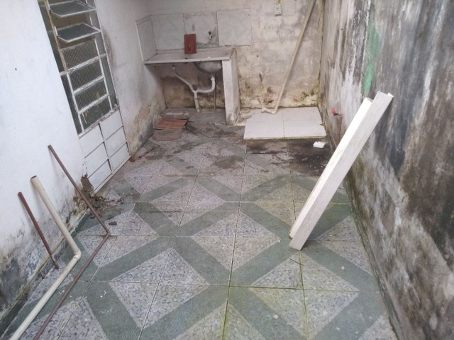 Vende-se uma casa no bairro santos Dumont - Foto 5