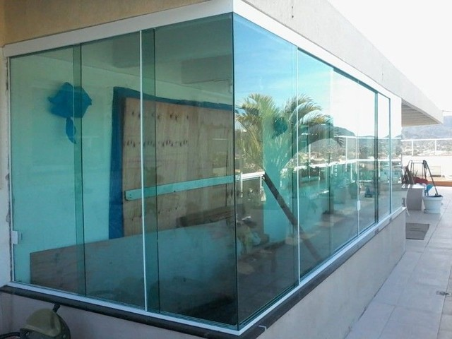 210 Limpeza de vidros