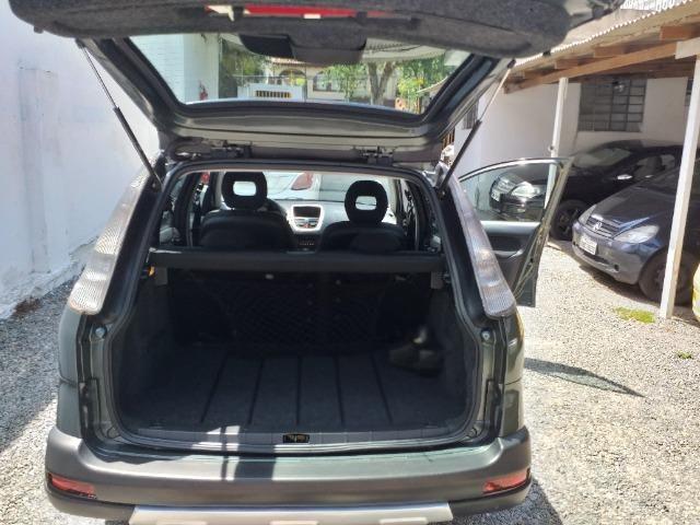Peugeot 207 SW Escapade - 1.6 - 16 V - Flex - 2010 - Foto 4