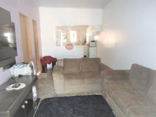 Casa 3 quartos um com suite, 3° rua atras da feira do produtor, 200 metros da upa