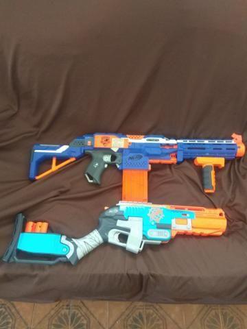 Nerf , 1 é 12 e a outra é uma rifle .