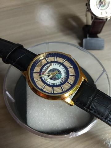 2068d6f3c4b Relógio Emporio Armani Gold a pronta entrega - Bijouterias