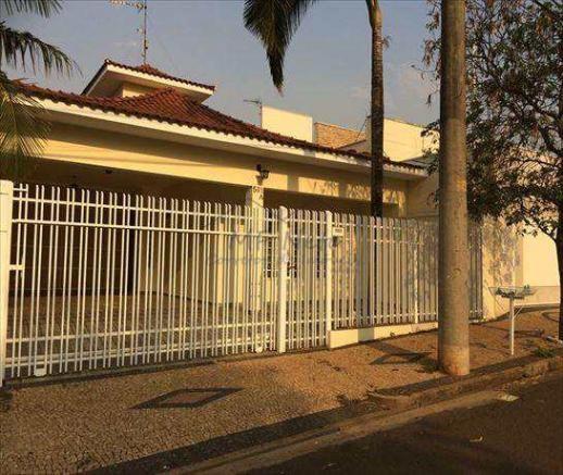 Casa à venda com 3 dormitórios em Vila pinheiro, Pirassununga cod:84200