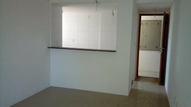 (EJ. Excelente apartamento em Porcelanato - Candeias - 2 Quartos (Suíte) - Foto 18