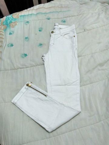 Calça jeans branca tam: 38 Cós alto, R$20