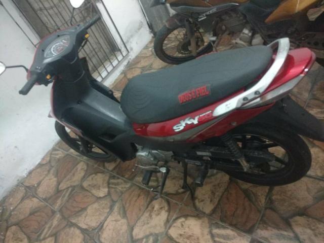 Vendo moto traxx 50tinha 2.500 fone: - Foto 3