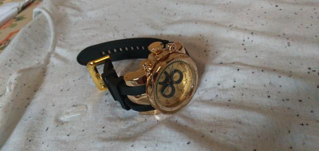 Relógio semi-novo
