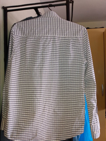 Camisa masculina quase nova - Foto 3