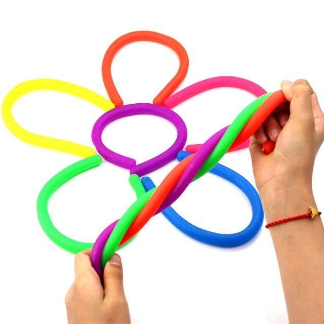 12 Pcs Macarrões Elásticos Brinquedo Sensorial Lançamento - Foto 2
