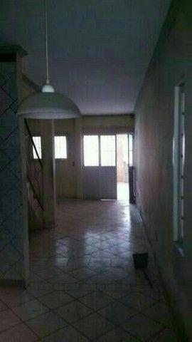 Vende ou troca-se casa de 1 andar( 3 quartos)