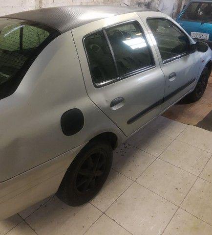 Vende se Renault clio sedan completo ano 2002 1.6 - Foto 3