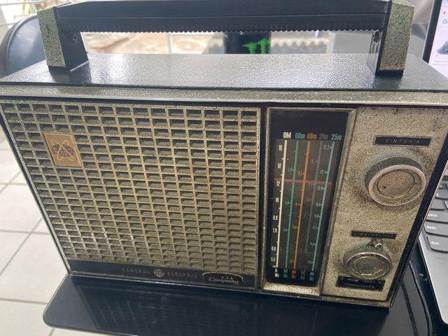 Antigo rádio general elétrica anos 60