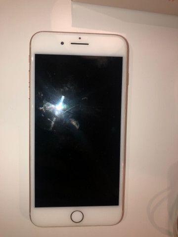 Iphone 8plus gold 64gb - Foto 3