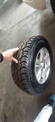 Jogo de rodas e pneus aro 17 Amarok