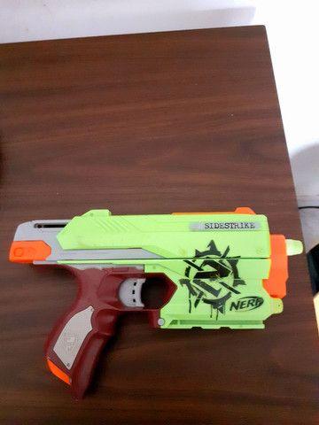 Arma Nerf Sidestrike Linha Zumbi - Foto 2