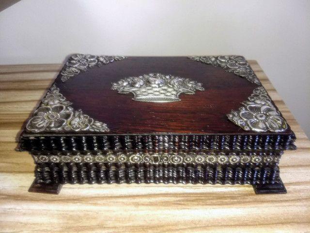 caixa porta jóias antiga de madeira jacarandá e prata de lei