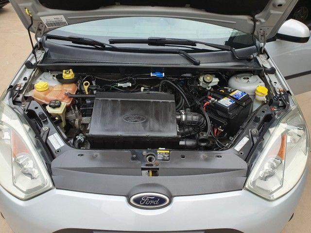 Fiesta Sedan Class 1.6 completo - Foto 17