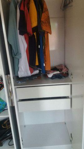 Vindo um guarda roupa bem conservado  - Foto 5