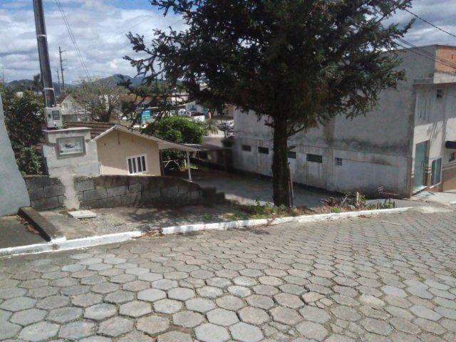 Casa em alvenaria, super bem localizada - Foto 4