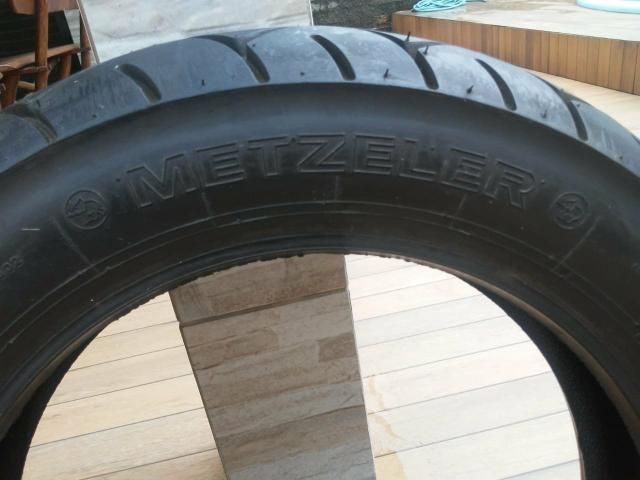 Vendo pneu de moto