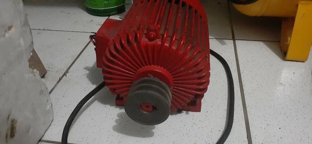 Motor compressor trifásico