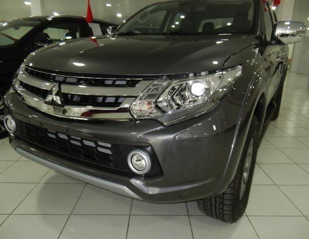 Mitsubishi L200 Triton Sport HPE-S Couro Xenon Conheça o Mit Facil e Desafio Casca Grossa - Foto 2