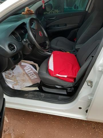 Vende-se um Fiat Bravo 2011 automático - Foto 3