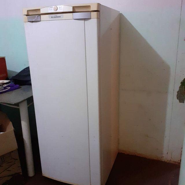 Vendo geladeira e fogao