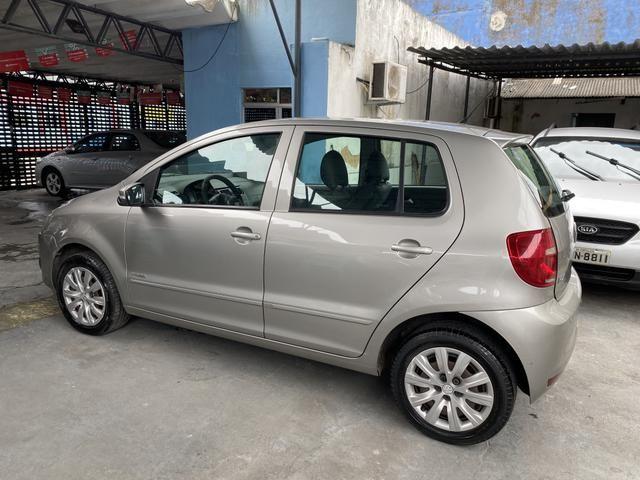 Volkswagen Fox 2012 1.6 completo de tudo - Foto 4