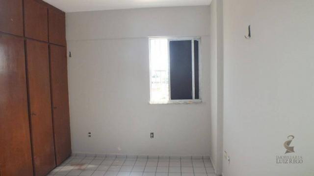 AP526 - Apartamento com 3 dormitórios para alugar, 100 m² por R$ 1.000/mês - Benfica - For - Foto 7