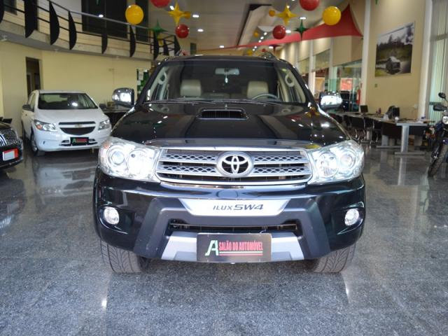 Toyota Hilux SW4 Srv 7 Lugares 4X4 AS - Foto 2