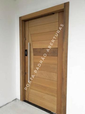 Porta pivotante de madeira maciça para Lages - Foto 5