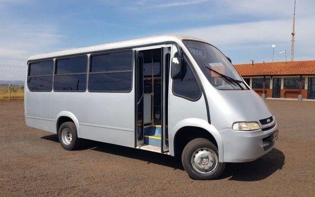 Micro Ônibus Neobus 24 Lugares Iveco Ano 2004
