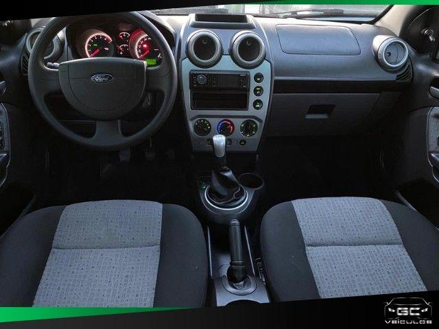 Fiesta 1.6 sedan   2014 - Foto 4