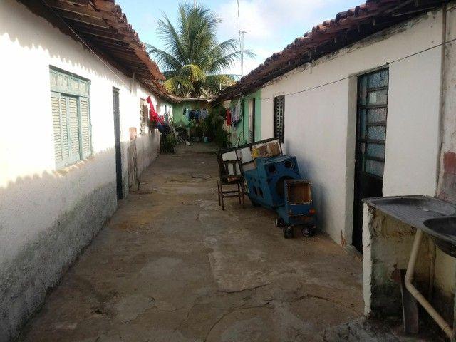 Terreno com 8 Casas