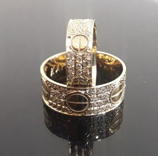 Alianças Cartier em ouro 18k com diamantes sintéticos