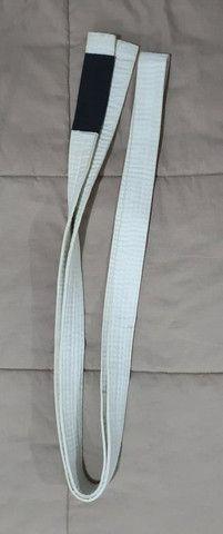 Kimono Branco + Faixa e mochilinha(Preco Único) - Foto 5