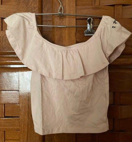 blusa ombro a ombro cropped rosa bebê cea