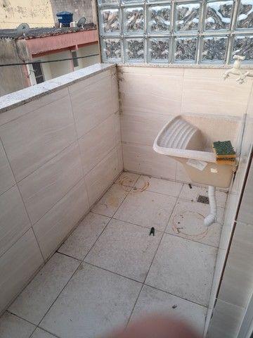 Alugo apartamento em barro branco, 2 quartos, varanda, banheiro e área - Foto 6