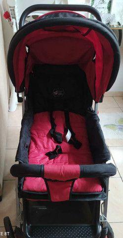 Carrinho de bebê R$ 270.00