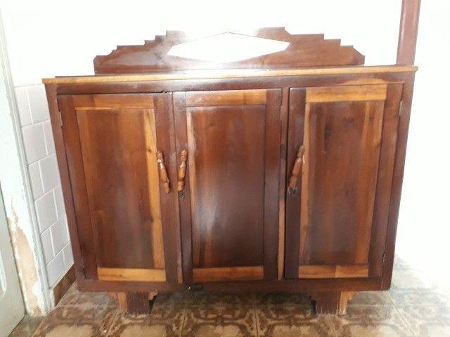 Armario para cozinha  em madeira imbuia bem antiga - Foto 2