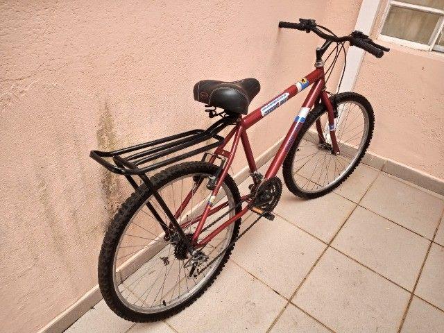 Bicicletas  Aro 26   muito pouco usada. - Foto 2
