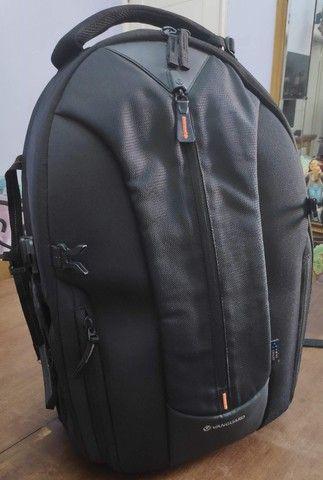 Mochila Vanguard Up-Rise II 48 para equipamento de câmera e acessórios (preta)